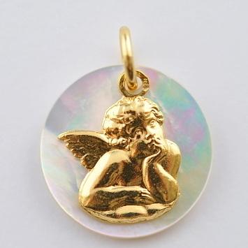 画像1: ノートルダム大聖堂ゴールド×マザーオブパール天使のチャーム【メール便可】